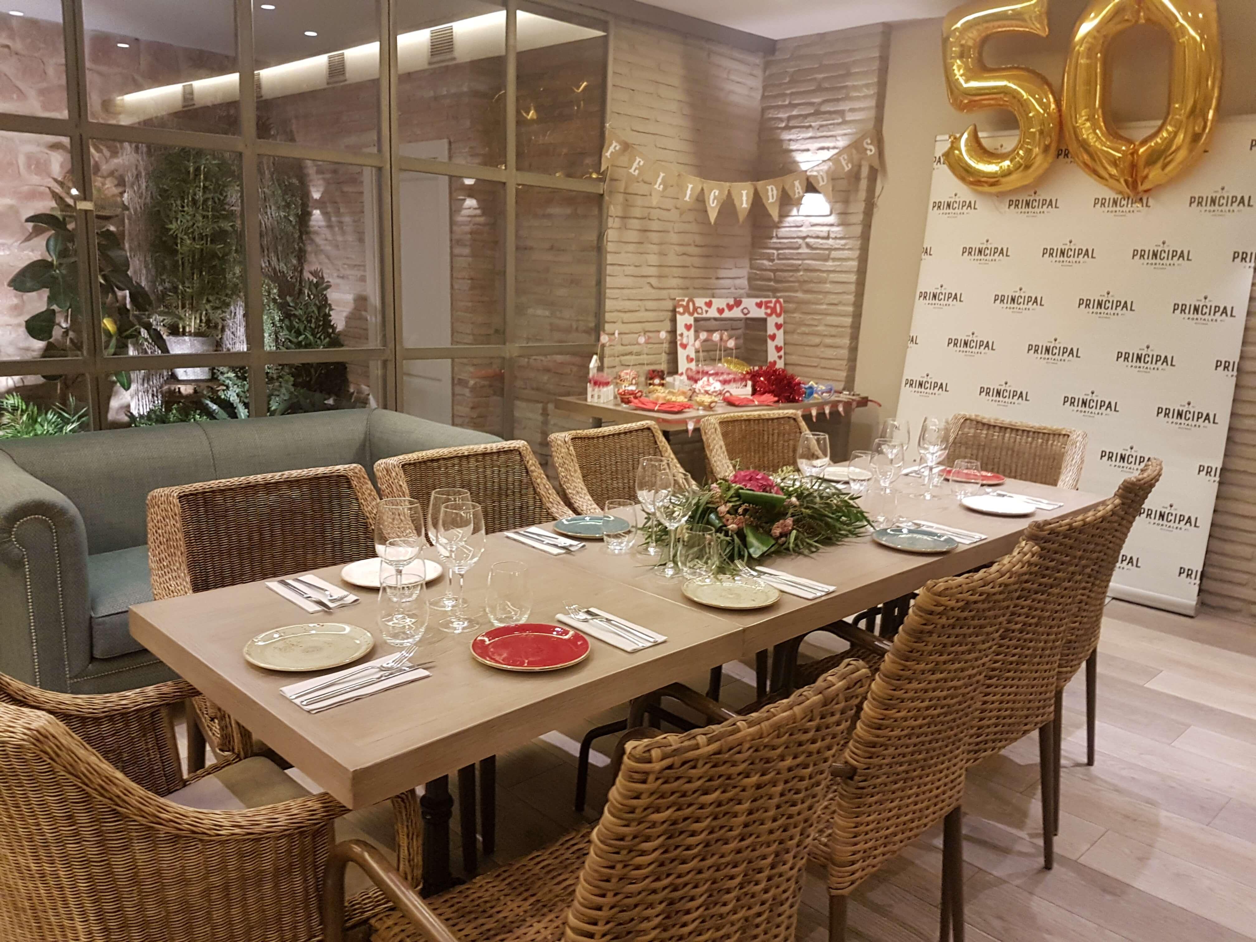 Restaurante El Palmeral. Eventos. Mesa de comedor